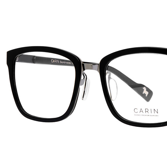 Carin Smith S C2 - Brille, Detail