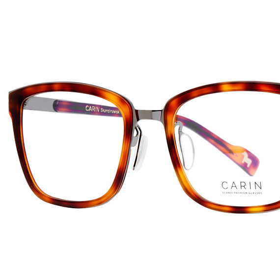 Carin Smith S C3 - Brille, Detail